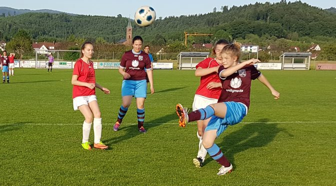 B Juniorinnen holen Auswärtssieg