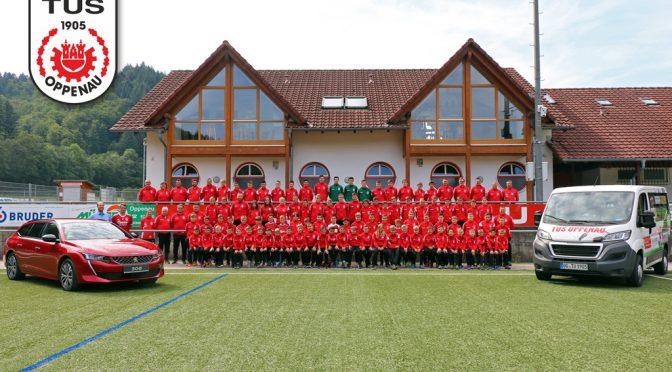 Neue Trainingsanzüge für Jugendteams